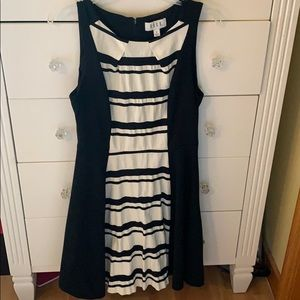 Dress black and white M